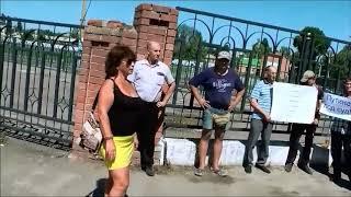 В Балашове прошел митинг по обсуждению повышению пенсионного возраста