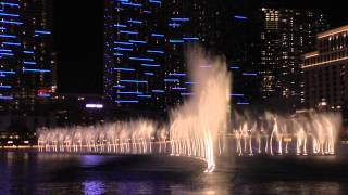 Bellagio Fountains. Pink Panther Theme. HD.