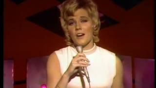 Anne Murray - The Glen Campbell Goodtime Hour: Christmas Special (20 Dec 1970) - Christmas Wishes