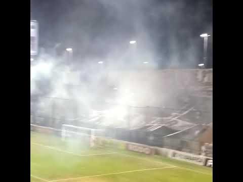 """""""La hinchada de Platense vs colegiales"""" Barra: La Banda Más Fiel • Club: Atlético Platense"""