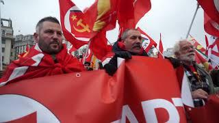 100-летиe Большевистской революции: шествие коммунистов в Москве