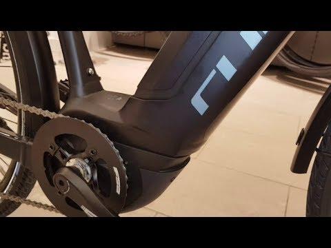 CUBE TOURING HYBRID Pro darknavy´n´blue Bosch Active Plus E-Bike Modell 2018