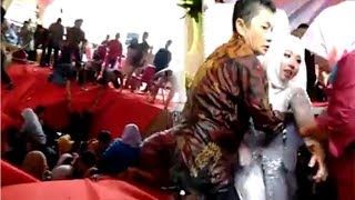 Video Panggung Penikahan Roboh hingga Pengantin Terjatuh ke Kali, Ketua RT Setempat Beri Penjelasan