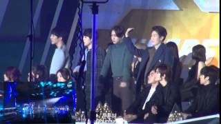 WINNER, EXO(ft. INFINITE) watching 2NE1 - Come Back Home/Crush at SBS Gayo Daejun