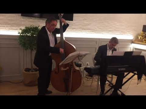Jazz - piano y contrabajo