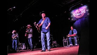 Mark Chesnutt- I Just Wanted You To Know (Live at The Grizzly Rose in Denver)