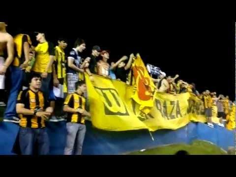 """""""LA RAZA AURINEGRA DE LOCAL EN TUYUCUA"""" Barra: La Raza Aurinegra • Club: Guaraní de Asunción"""
