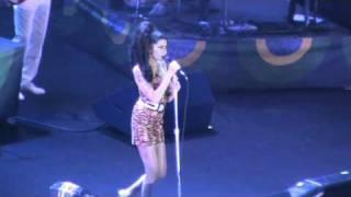 Intro + Just Friends - Amy Winehouse (Rio de Janeiro @ HSBC Arena)