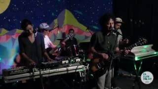 Fools Like Me - Us (YouTube Exclusive). En Vivo en El Late Night con Badía