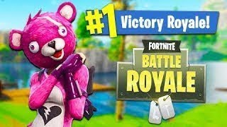 Buying the CUDDLE TEAM LEADER in fortnite