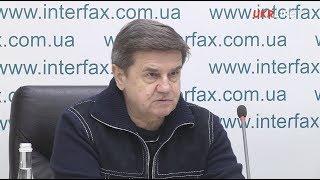 Вадим Карасьов: Два сценарії підготовки Порошенка до президентських виборів