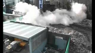 preview picture of video 'Georgia Pacific Oughtibridge Mill.  Boiler house chimney demolition.'