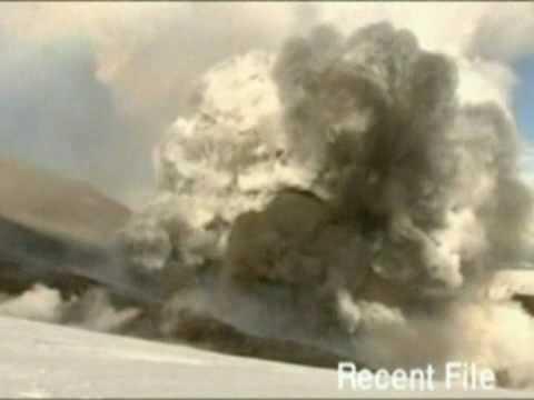 Вулкан Эйяфьятлайокудль/Eyjafjallajokull