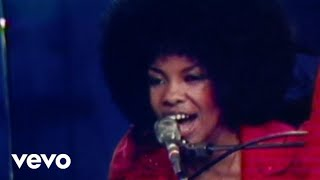 Sly & The Family Stone - Thank You (Falettinme Be Mice Elf Again) (Live 1973)
