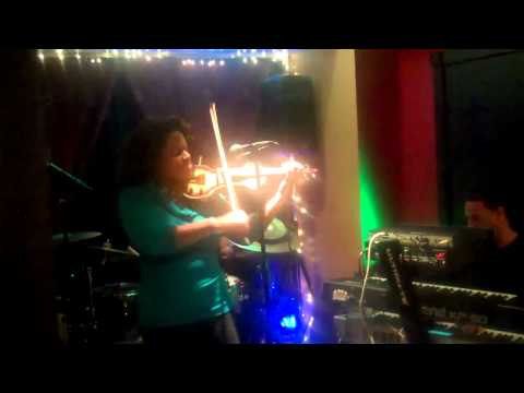 "LaTonya Peoples performs ""Ain't No Sunshine"" @Kat's Cafe January 21, 2012"