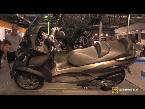 2016 Piaggio MP3 Business 500 LT ABS ASR Three Wheel Scooter Leaning Demonstration - 2015 EICMA