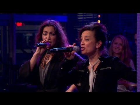 Loïs Lane's ode aan ABBA! - RTL LATE NIGHT | JB Productions