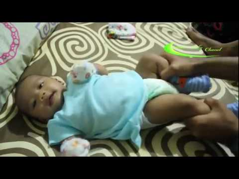 Video Melancarkan Buang Air Besar Bayi (BAB Bayi) dengan pijat dan gerakan mengayuh sepeda