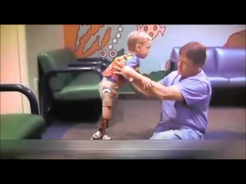 Luomo il sesso con un cane scaricare