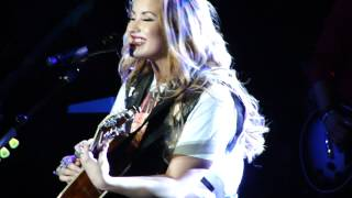 Demi Lovato - Catch me / Don't Forget ( BH, Brazil - 22/04/2012 )