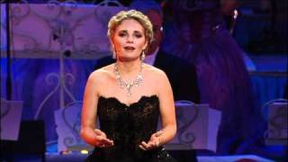 Don't Cry For Me Argentina sung by Suzan Erens New York