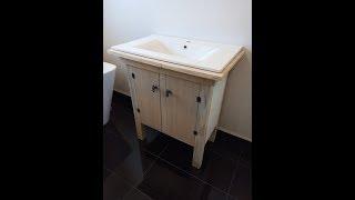 Amazing upcycled pallet vanity