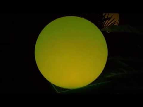 LED Kugel mit integriertem Akku und Farb-Programmen zur atmosphärischen Beleuchtung von Haus und Garten.