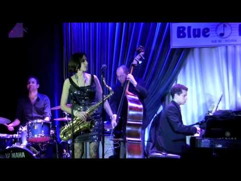 "Chelsea Baratz performing ""Summit"" Live at the Blue Note, NYC, 11-12-11"