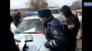 Побег сотрудника ДПС ГАИ ГИБДД при задержании за взятку сотрудник ДПС берет взятку видео коррупция