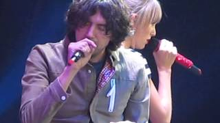 Taylor Swift and Gary Lightbody - The Last Time - Sacramento, CA
