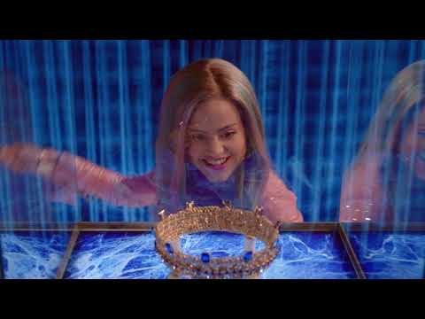 Sarah Jeffery - Queen of Mean - Descendants 3 Backwards!