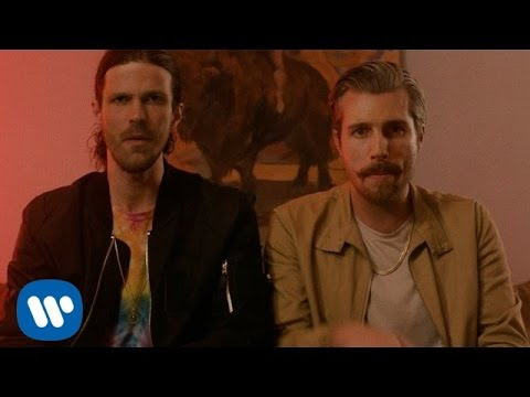 3OH!3: FREAK YOUR MIND [OFFICIAL VIDEO]