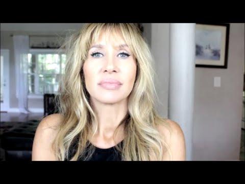 It Cosmetics x ULTA Love Beauty Fully Complexion Powder Brush #225 by IT Cosmetics #5