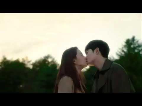 Song Ji Hyo and Park Si Hoo Finale Kiss