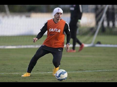 Fagner comenta sobre fase que o Corinthians está passando