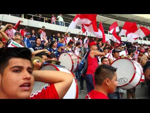 """Entrada de la murga de Chivas 🔴⚪"" Barra: La Irreverente • Club: Chivas Guadalajara"