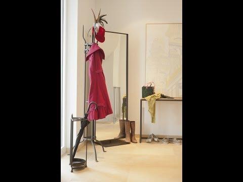 Flur einrichten - Wohnidee im modernen Landhausstil - Garderobe Eisen Voltera   VARIA LIVING