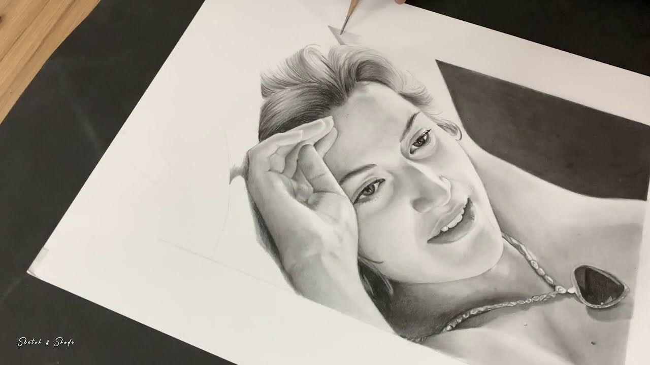 realistic pencil drawing titanic rose by sketch and shade