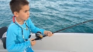 This 10 Year Old Kid Catches A Hundred Pound Fish