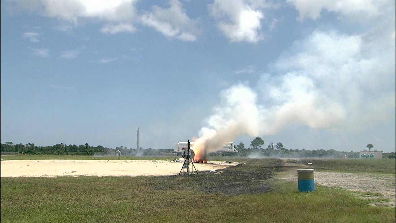 Watch NASA's Morpheus Moon Lander Crash, Burn And Explode In Testing