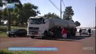 Caminhoneiros protestam contra o aumento no preço do diesel