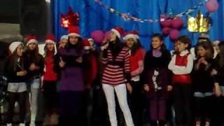 preview picture of video 'Shkolla 9-vjecare FIQIRI KURTI  Kavaje ..Pjesa  1-001.mp4. Prod. T.Berberi'