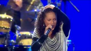 """Alicia Keys - """"Try Sleeping With A Broken Heart"""" @  FIFA World Cup™ 2010 Live concert."""