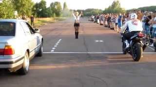 Смотреть онлайн Неуклюжему мотоциклисту не удалось выиграть соревнование