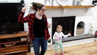 MOTHER DAUGHTER DANCE OFF