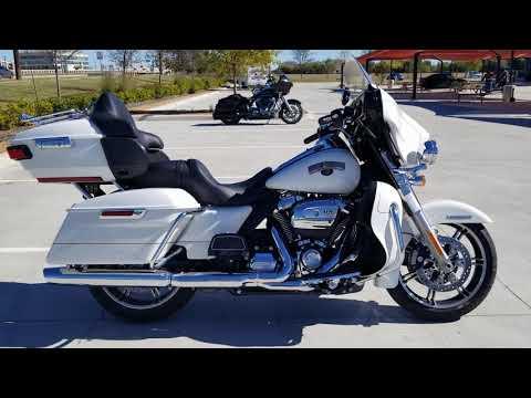 2020 Harley-Davidson<sup>®</sup> Ultra Limited FLHTK
