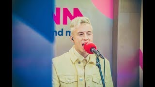 Liftconcert: Loïc Nottet   On Fire (live)