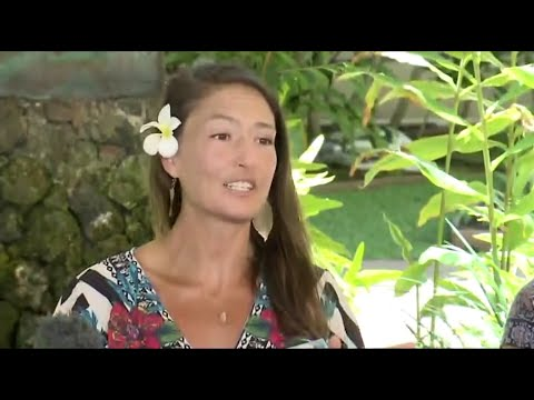 A Hawaii woman said Tuesday she fell to the ground and started cryin g when a rescue helicopter spotted her in a forest where she had survived for two weeks by eating plants and drinking stream water. (May 28)