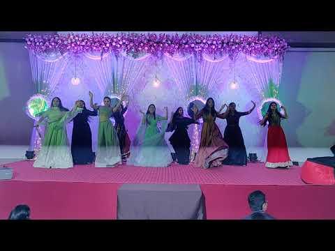 Bridesmaids to Peh Gaya Kalara & Sona Kitna Sona