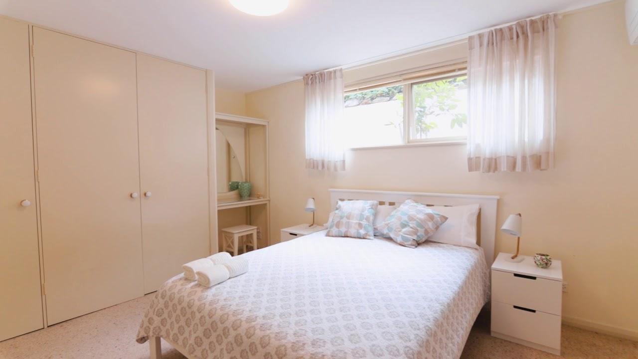 Manor - Jay Bacani - 54 Candowie Crescent Baulkham Hills